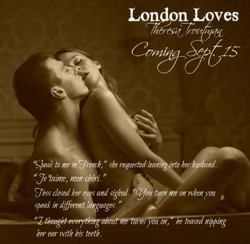 London Loves couple sitting